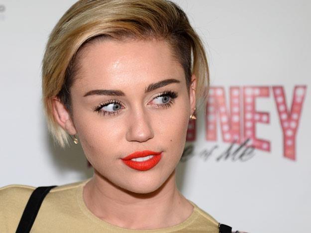 Miley Cyrus tłumaczy się ze swoich wybryków (fot. Ethan Miller) /Getty Images/Flash Press Media