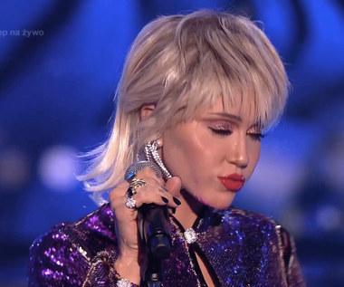 """Miley Cyrus w 8. odcinku """"Twoja Twarz Brzmi Znajomo"""". Co za metamorfoza!"""