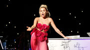 "Miley Cyrus w trailerze ""Crisis In Six Scenes"" Woddy'ego Allena"