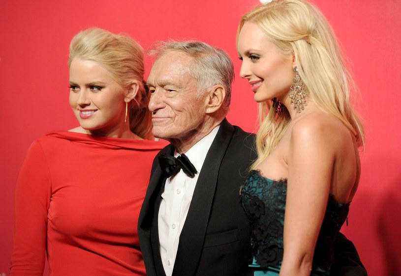 Miliarder Hugh Hefner (87) w grudniu 2012 roku miał ożenić się po raz trzeci. Jego żoną miała zostać 26-letnia modelka i piosenkarka Crystal Harris, która uciekła na pięć dni przed ślubem /Getty Images