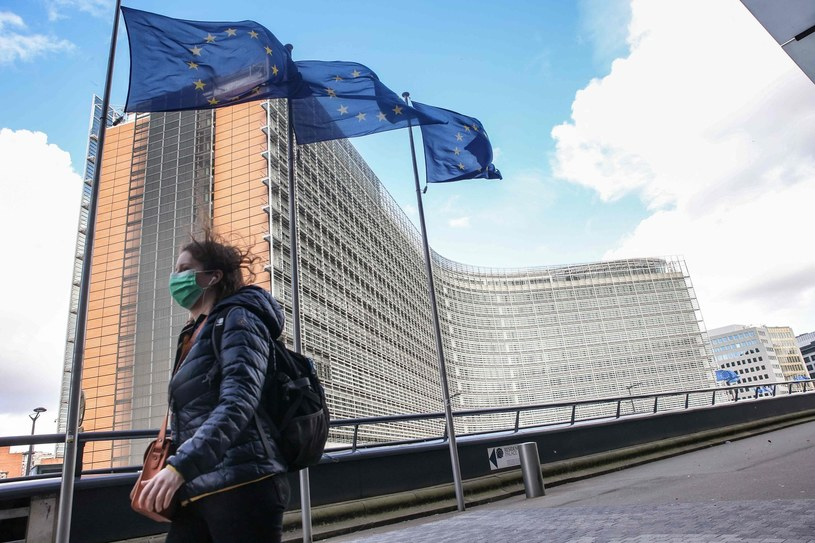 Miliardy euro już w Portugalii, Luksemburgu i Belgii. Nz. zdjęciu siedziba Komisji Europejskiej w Brukseli /AFP