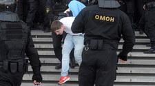 Milicja rozpędza demonstrantów w Mińsku, 250 osób zatrzymanych