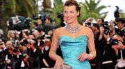 Milla Jovovich: Suknie i gorsety w akcji
