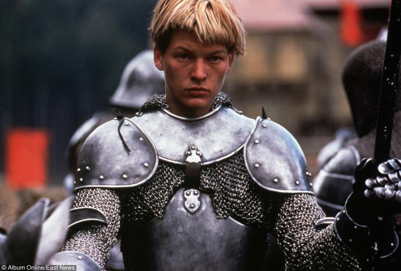 """Milla Jovovich w filmie """"Joanna d'Arc"""" /East News"""