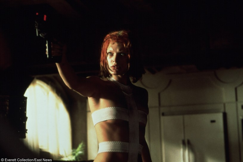 "Milla Jovovich w filmie ""Piąty element"" /Everett Collection"