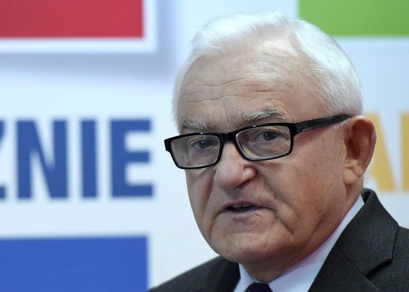 Miller apeluje do prezydenta o spotkanie ws. wyborów /Radek Pietruszka /PAP