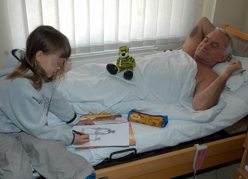 Miller z wnuczką w 2003 roku. /Rozbicki /Reporter