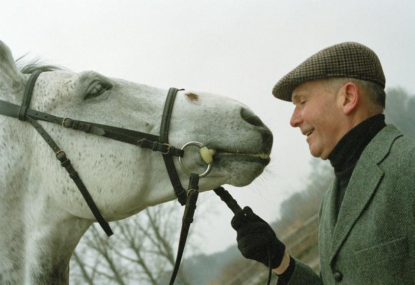 Miłość do koni od dawna towarzyszy artyście /JOLA LIPKA /East News