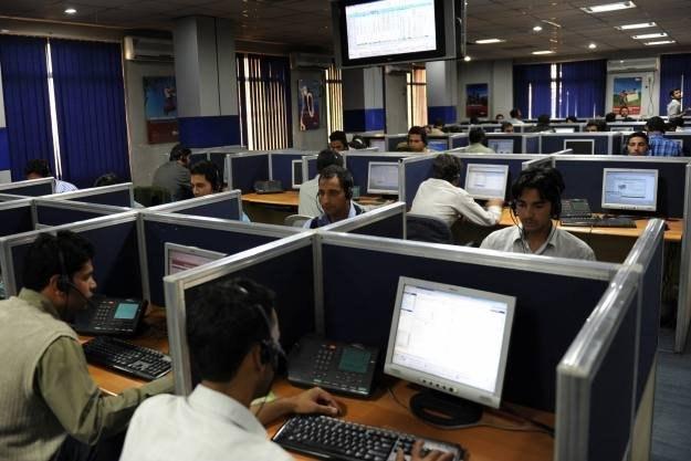 Miłość pracowników call center do klientów nie zna granic... /AFP