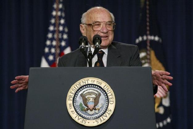 Milton Friedman w 2002 r. w Waszyngtonie /AFP