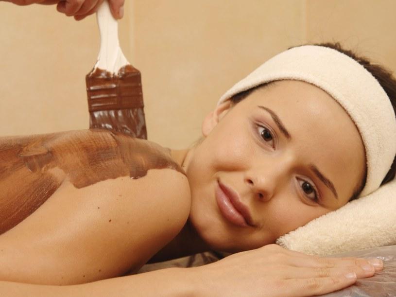 Miły gest dla ciała: wizyta u kosmetyczki albo po prostu gorąca kąpiel  /© Bauer