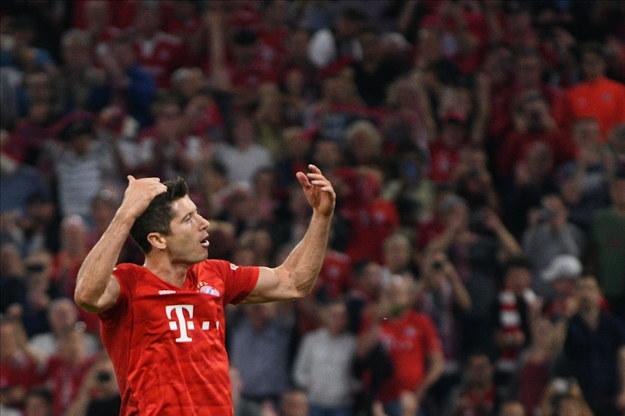 Mimo dwóch bramek Lewandowskiego, Bayern tylko zremisował /Philipp Guelland /PAP