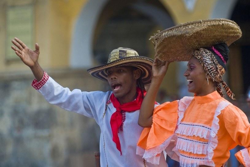 Mimo nieciekawej sławy Kolumbii, jako miasta karteli narkotykowych Kolumbijczycy wygrywaja w rankingach na najbardziej szczęśliwy naród świata /123RF/PICSEL