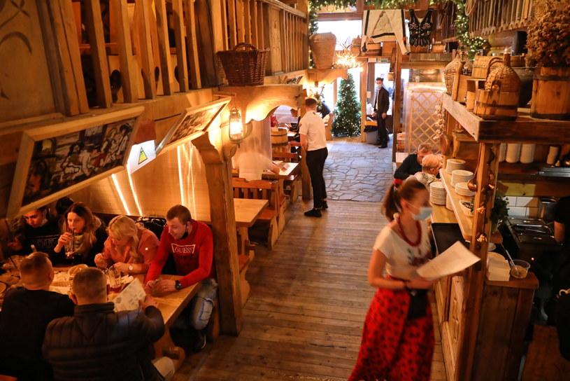 Mimo obostrzeń od dziś restauracja na Krupówkach gości klientów / Grzegorz Momot    /PAP