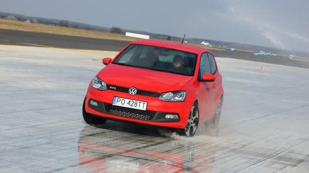 Mimo prostego zawieszenia własności jezdne Volkswagena Polo GTI są bardzo dobre. /Auto Moto