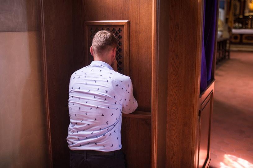 Mimo tajemnicy spowiedzi  francuscy księża mają informować o przypadkach pedofilii /Daniel Dmitriew /Agencja FORUM