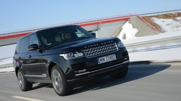 Mimo wyraźnie zmienionych detali karoserii, Range Rover nadal jest nie do pomylenia z innym samochodem. /Motor
