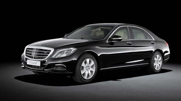 Mimo zastosowania licznych środków ochronnych S 600 Guard jest z zewnątrz niemal nie do odróżnienia od standardowego modelu. /Mercedes