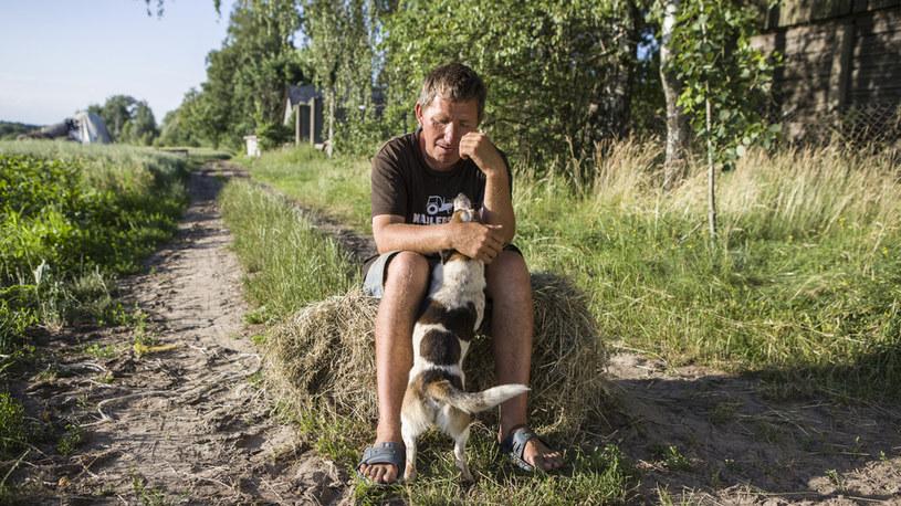 Mimo że Gienek ma wyniki jako swat, Andrzej nadal jest singlem /FOKUS TV