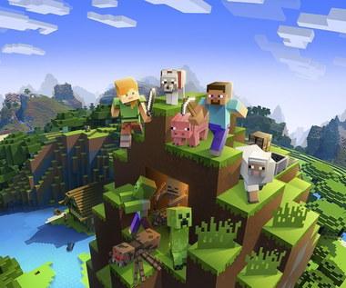 Minecraft - zbudował łódkę z gry i wypłynął nią na jezioro