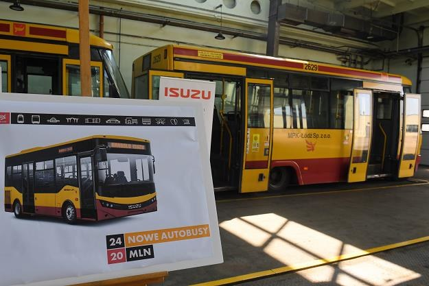 Mini-autobusy w zajezdni MPK w Łodzi /PAP