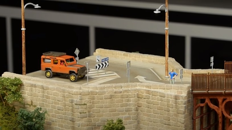 Miniaturowy Land Rover Defender /YouTube