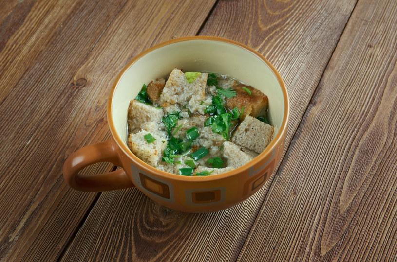 Minimalistyczna zupa, którą można wyczarować praktycznie nie mając żadnych składników /123RF/PICSEL