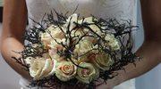 Minimalizm i mocny akcent we florystyce ślubnej