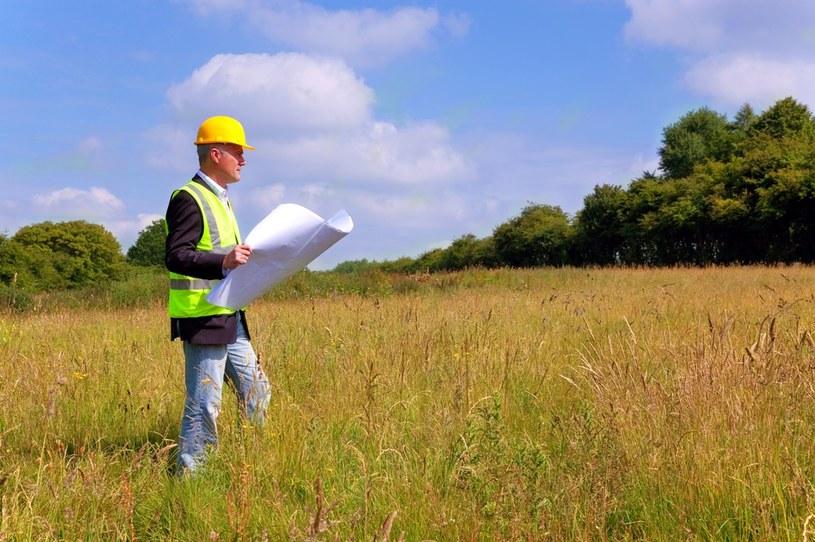 Miniony rok był rekordowy na rynku działek budowlanych /123RF/PICSEL