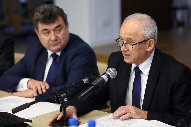 Minister energii Krzysztof Tchórzewski (P) i wiceminister energii Grzegorz Tobiszowski (L) Rafał Guz /PAP