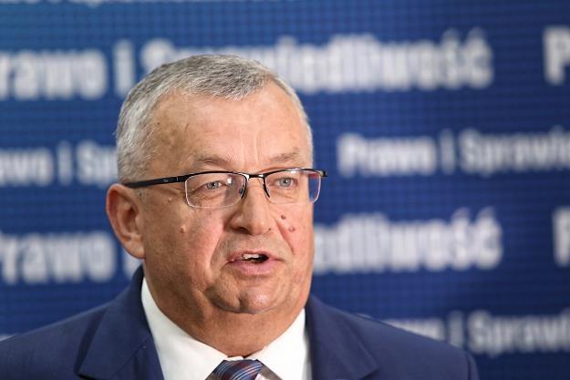 Minister infrastruktury Andrzej Adamczyk /PAP