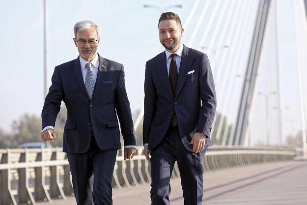 Minister inwestycji i rozwoju Jerzy Kwieciński (L) w kampanii wyborczej Patryka Jakiego /PAP