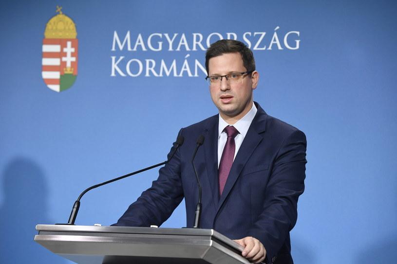 Minister kierujący kancelarią premiera Węgier Gergely Gulyas /SZILLARD KOSZTICSAK /PAP/EPA