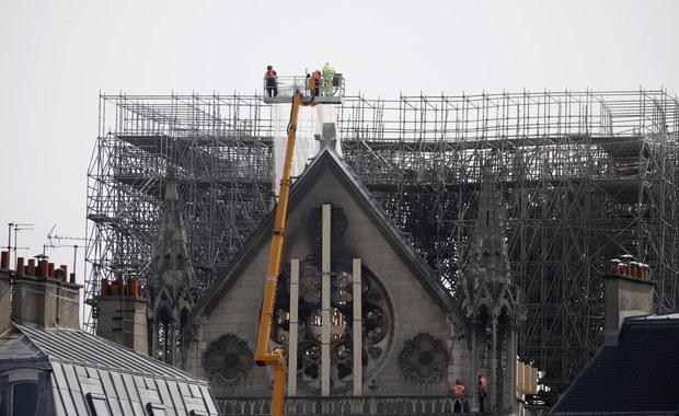 """Minister kultury Francji: Notre Dame """"prawie ocalona"""""""