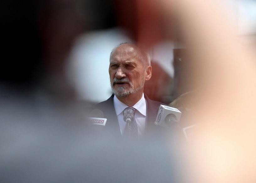 Minister obrony narodowej Antoni Macierewicz /Darek Delmanowicz /PAP