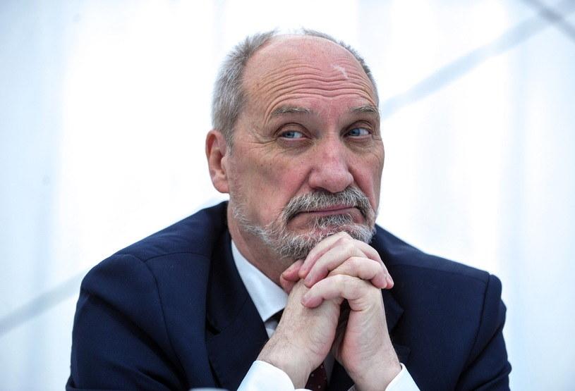 Minister obrony narodowej Antoni Macierewicz /Reporter