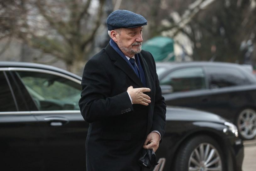 Minister obrony narodowej Antoni Macierewicz /Rafał Guz /PAP