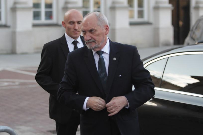 Minister obrony narodowej Antoni Macierewicz /Bartłomiej Zborowski /PAP