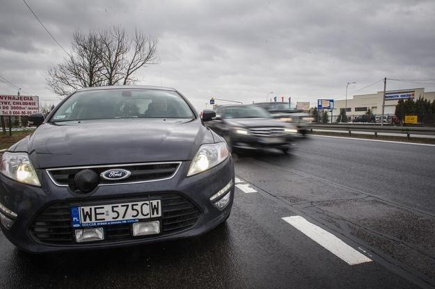 Minister pomógł, światła będą oślepiać legalnie / Fot: Jacek Domiński /Reporter