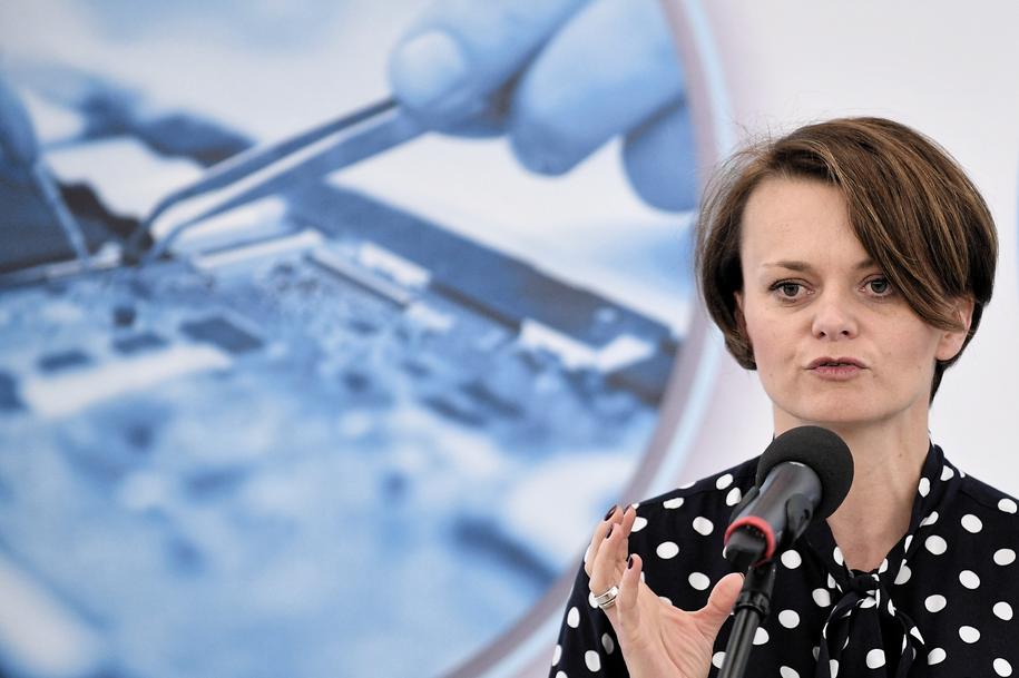 Minister przedsiębiorczości i technologii Jadwiga Emilewicz / Marcin Obara  /PAP