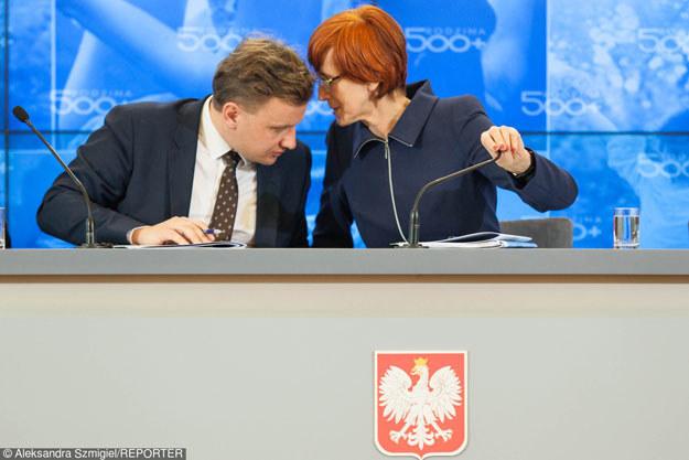 Minister rodziny pracy i polityki społecznej Elżbieta Rafalska i wiceminister Bartosz Marczuk /Reporter