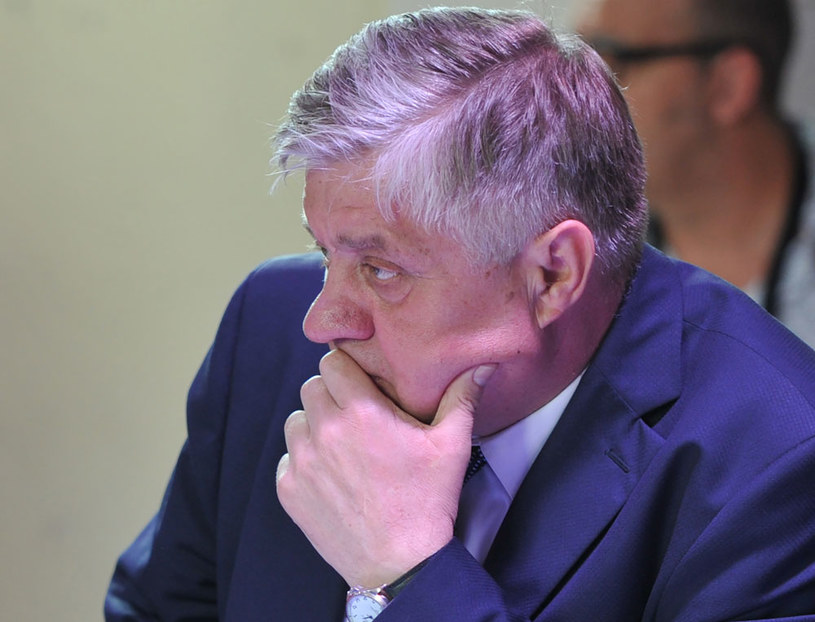 """Minister rolnictwa Krzysztof Jurgiel przyjeźni się z Izabelą Kloc - twierdzi """"Fakt"""" /AFP"""