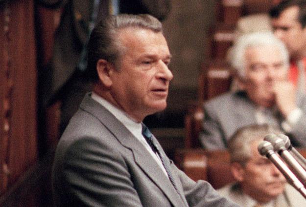 Minister spraw wewnętrznych Czesław Kiszczak /AFP