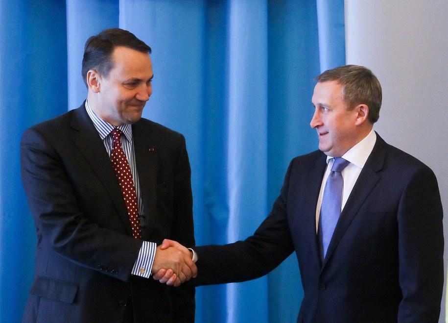 Minister spraw zagranicznych Radosław Sikorski (L) i minister spraw zagranicznych Ukrainy Andrij Deszczyca (P) /Paweł Supernak /PAP