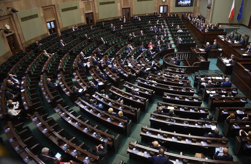 Minister spraw zagranicznych Witold Waszczykowski (C-P) przedstawia informację o zadaniach polskiej polityki zagranicznej na 2017 r. /Radek Pietruszka /PAP