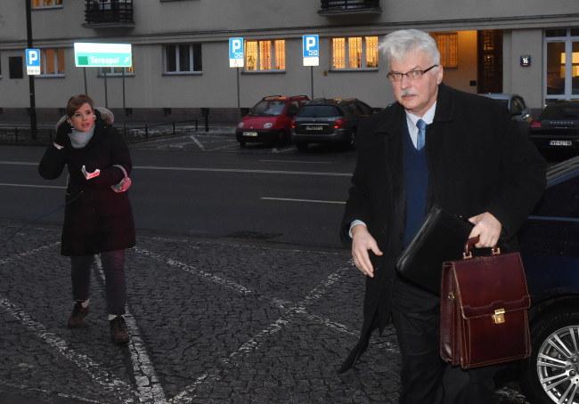Minister spraw zagranicznych Witold Waszczykowski w drodze do siedziby swojego resortu tuż przed spotkaniem z ambasadorem Niemiec /Radek Pietruszka /PAP