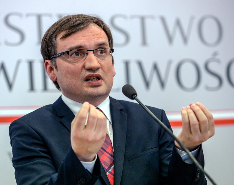 Minister sprawiedliwości i prokurator generalny Zbigniew Ziobro / PAP/Marcin Obara /PAP/EPA
