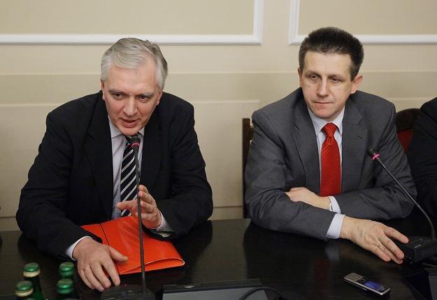 Minister sprawiedliwości Jarosław Gowin i poseł PSL Jan Bury , fot. P. Supernak /PAP