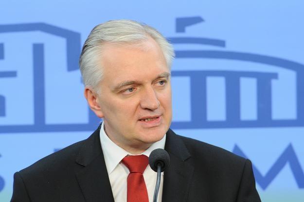 Minister sprawiedliwości Jarosław Gowin jest autorem pomysłu na deregulację zawodów /PAP