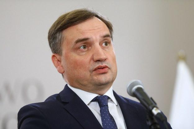 Minister sprawiedliwości, prokurator generalny Zbigniew Ziobro podczas konferencji prasowej /Rafał Guz /PAP